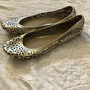 GUC Kenneth Cole Reaction Gold Flat, Size 7M